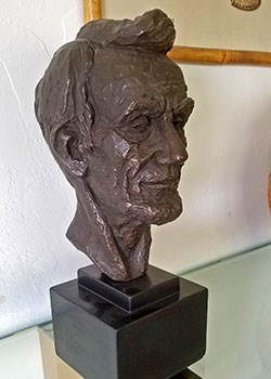 Lincoln-Bust
