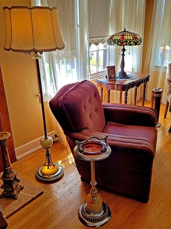 Corner-Chair