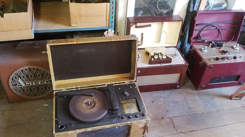 Phonographs and Machines