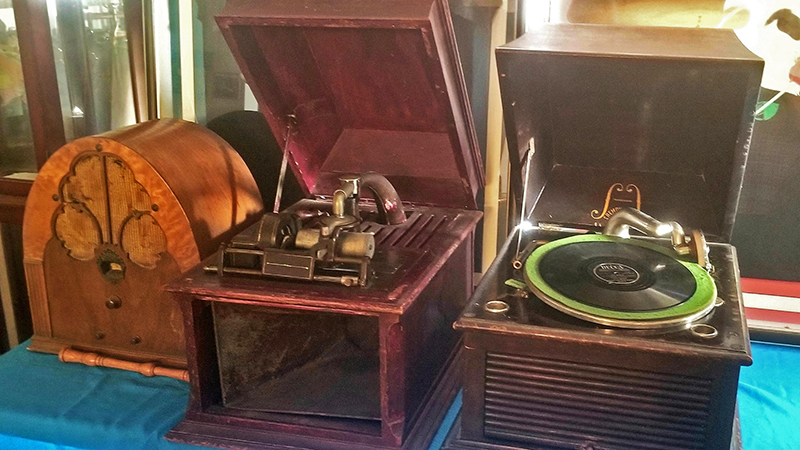 Old-Record-Players