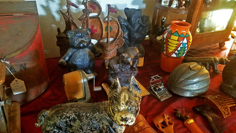 Sundry-Decorative-Items