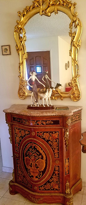 Side-Table-and-Gilt-Mirror
