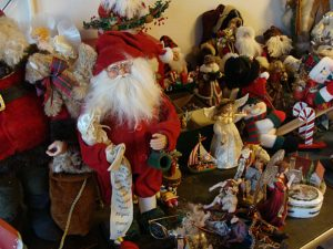Hemet, estate sale, christmas ornaments